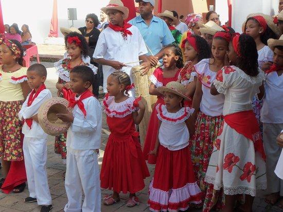 Hacienda Floresta: Bailadoras  de San Juan