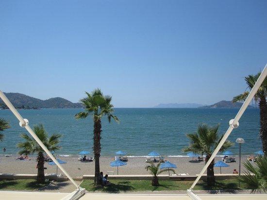 Delta Hotel: Vista Playa desde el balcon de la habitación
