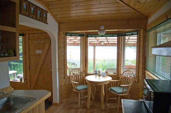 Angels Rest on Resurrection Bay, LLC : Wing Cabin - Another Dining Area View