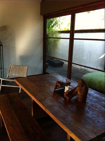 Luwak Ubud Villas: Dining area in the living room