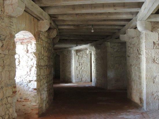 Forte Ardietti, Peschiera del Garda: Forte Ardietti: Inner view