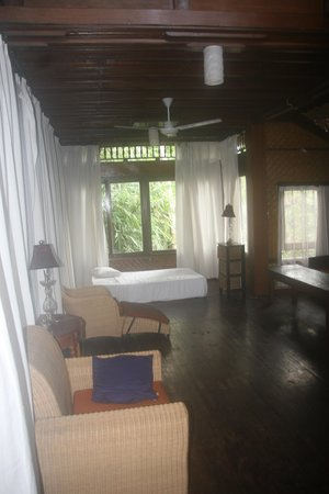 Matahari Cottage Bed and Breakfast: big room
