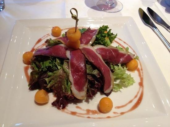 Hotel Spa Restaurant Domaine Du Moulin : Smoked duck breast salad (starter)