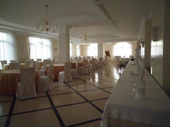 Sant'Angelo Resort & Spa: Restaurant in het hoofdgebouw van het hotel.