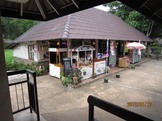 Doi Pha Hom Pok National Park: 売店