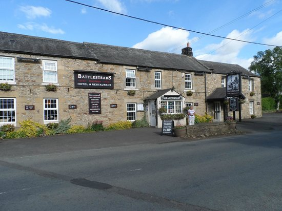 Battlesteads Hotel: The front of the Hotel.