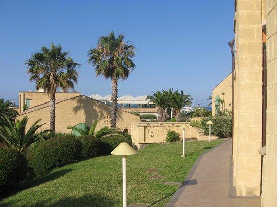 Hotel Venus Sea Garden: Parte dell'hotel sullo sfondo