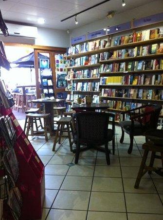 Whileaway Bookshop & Cafe: indoor seating