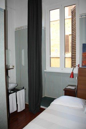Hotel Boccaccio : Lovely little bedroom