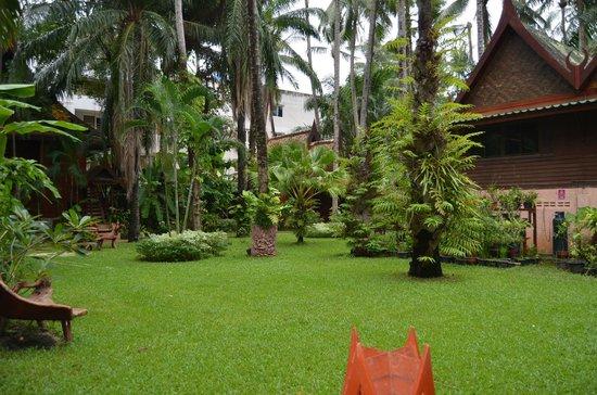 Royal Phawadee Village: Le jardin