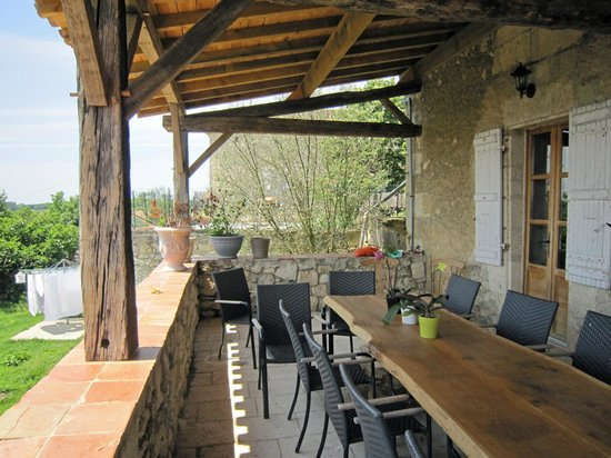 The Gascony French Cookery School : The terrace at the cookery school