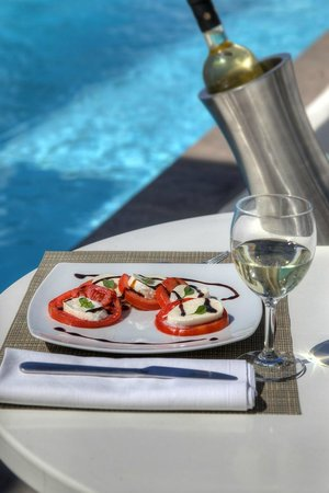 Lilly Residence-Boutique Suites Hotel: Pool Restaurant