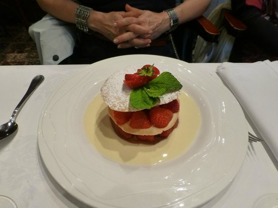 Le Cantorbery : Strawberries for dessert