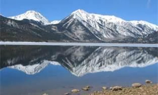 The Twin Lakes Inn: Just one view of Twin Lakes, Colorado