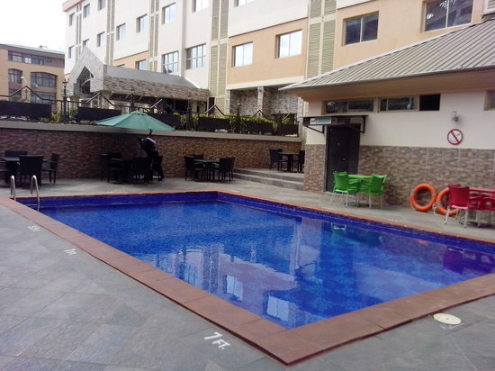 Jades Hotel : Snow Bar Swimming Pool