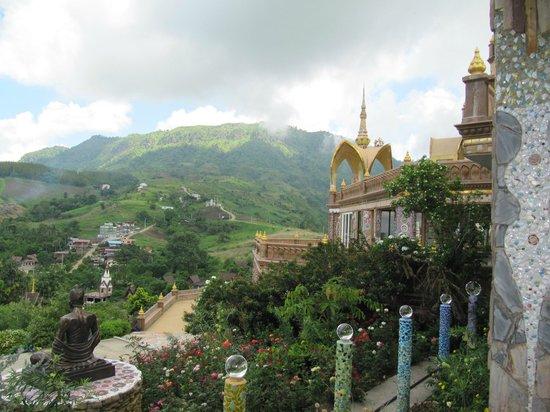Wat Pha Sorn Kaew: Blick in das Tal