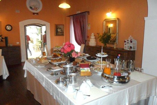 Relais Tenuta San Domenico: sala colazioni
