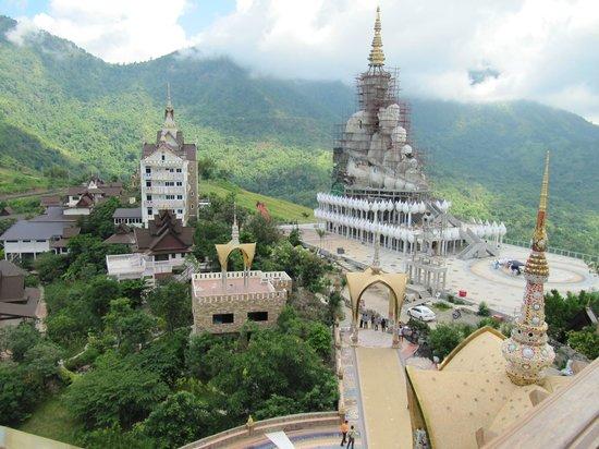 Wat Pha Sorn Kaew: Teil der riesigen Anlage