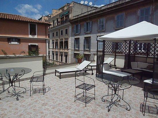 Residenza Leonina: The roof terrace