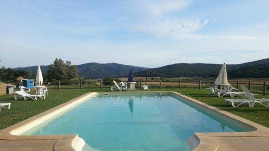 Agriturismo Il CerroSughero: La piscina, una splendida vista