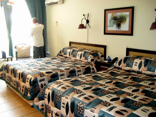 Protea Hotel Hluhluwe & Safaris: Zimmer