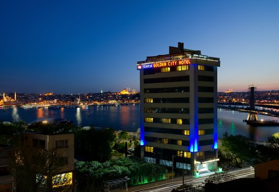 Istanbul Golden City Hotel: İstanbul Golden City Hotel Night View