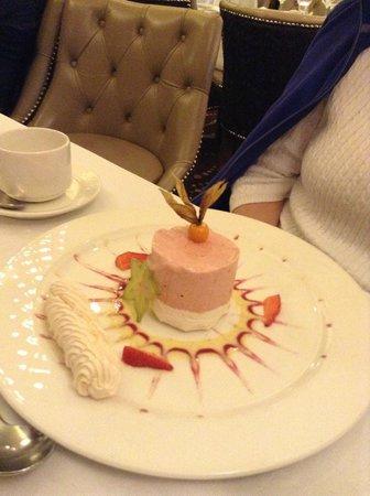 Westport Plaza Hotel : Unique dessert!