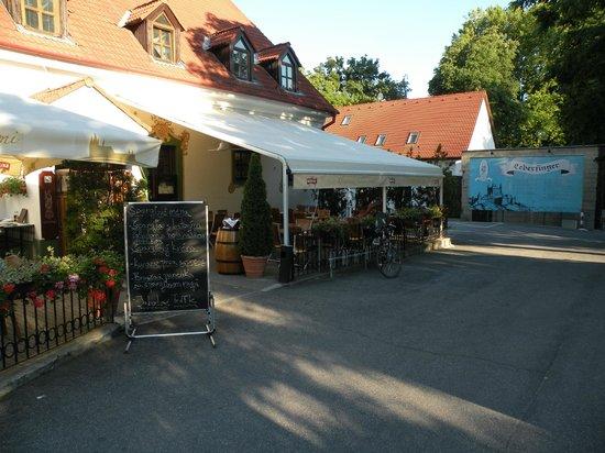 Leberfinger: tavoli all'esterno