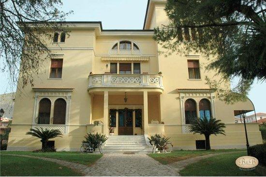 Villa anita b b reviews fondi italy tripadvisor - I giardini di margius ...