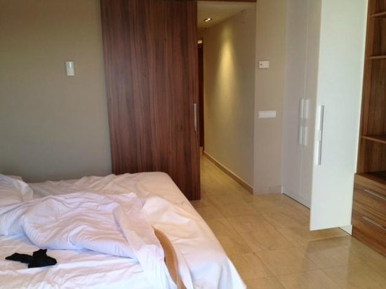 Sunway Playa Golf Hotel & Spa Sitges: Room on fourth floor. You have kitchen, bedroom, bathroom and balcony