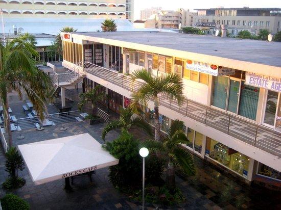 Protea Hotel by Marriott Durban Umhlanga: Sicht vom Zimmer auf die Protea Mall