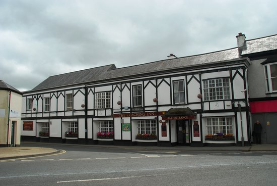 The Coaching Inn : Front view from King Street opposite