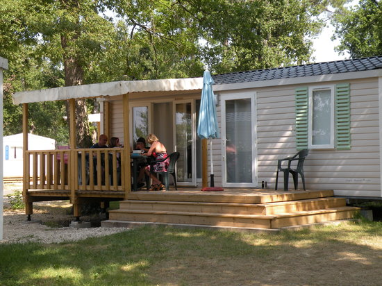 Camping les Rives du Lac: location de mobil home au camping de l'uby