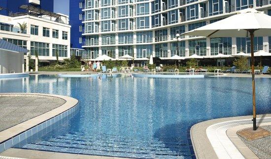 Aquamarine Apartments & Hotel : swimming pool