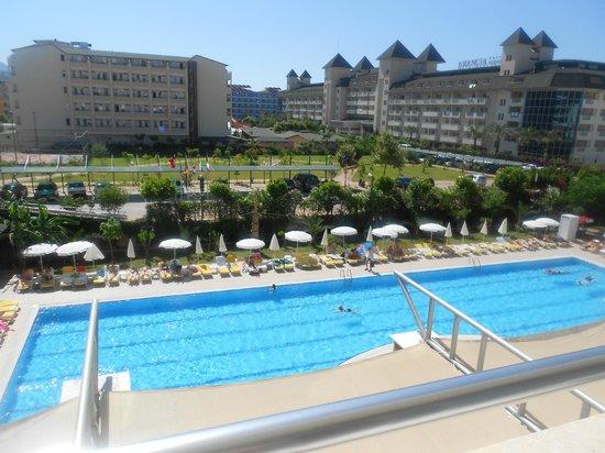 Telatiye Resort: View from room of pool
