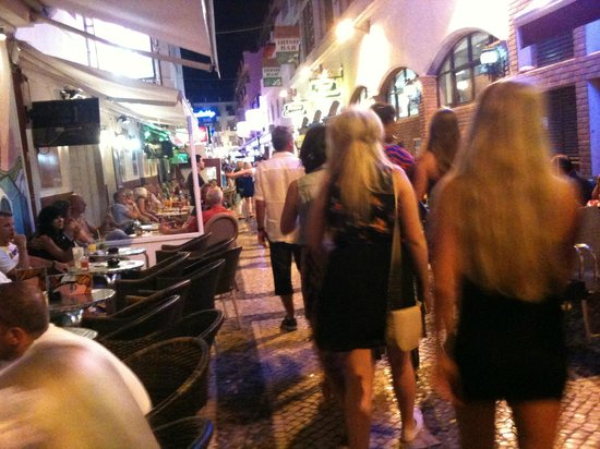 Albufeira Sol Suite Hotel & Spa: Old town at night