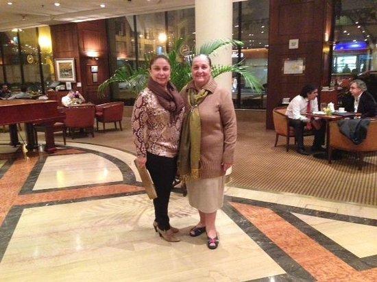 Sheraton Libertador Hotel: Hall do Hotel, Minha mãe e eu
