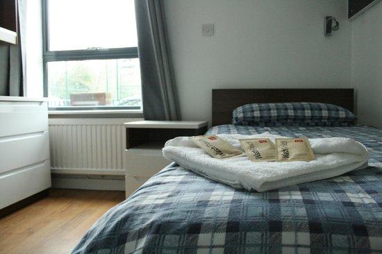 LSE Rosebery Hall Residence: Single with a shared bathroom