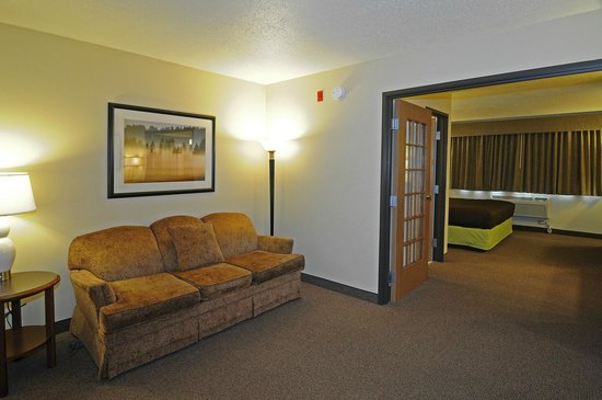 AmericInn Hotel & Suites Sioux Falls: King Two-Room Suite
