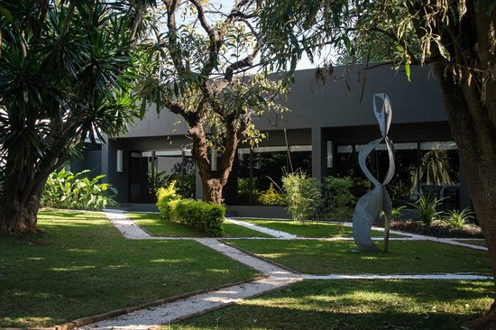 Entrance - Picture of Latitude 13 Degrees Hotel, Lilongwe - Tripadvisor