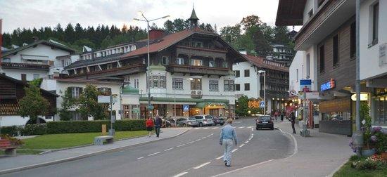 Bon Alpina : The Town Square