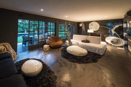 Latitude 13 Hotel Latidue Lounge