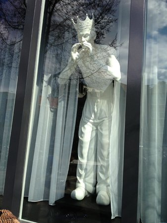 Andaz Amsterdam Prinsengracht: I think this was Neptune in the front window calling at me?