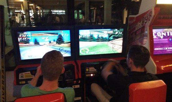 BCM Hotel: Arcade