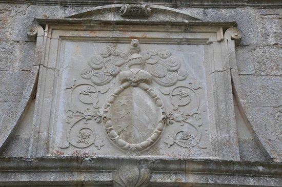 Chateau de Cenevieres: Armoirie