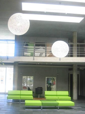 Lausanne Youth Hostel Image