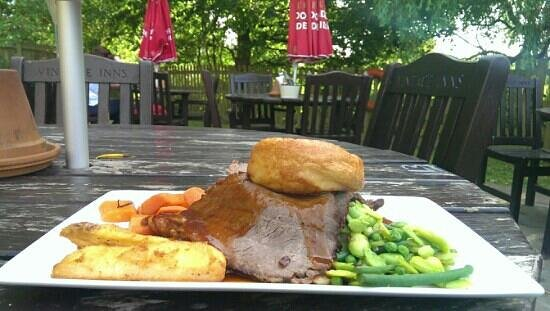 Ye Olde Six Bells: Well done roast beef.