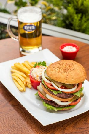 Efes Sports Pub : burgers for sports lovers
