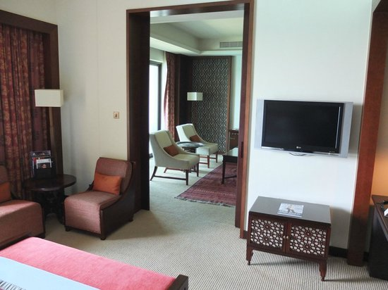 The Palace Downtown Dubai: bedroom to seating room