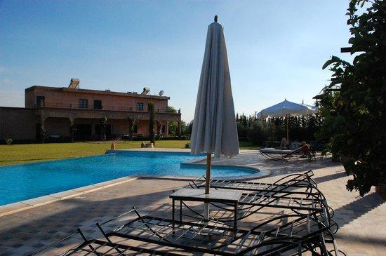 Riad Bledna : la piscine